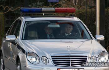 Киргизских милиционеров пересадили на иномарки, оснащенные системой GPS и видеорегистраторами