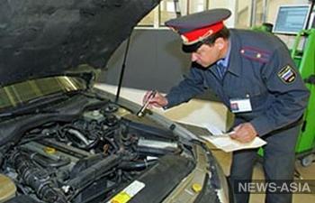 Дмитрий Медведев раскритиковал законопроект, предлагающий передать функцию проведения техосмотра от ГИБДД частным компаниям.