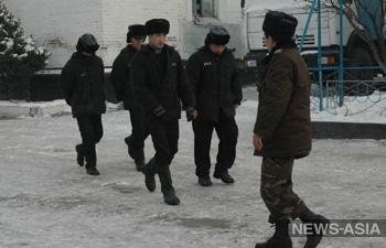 В Киргизии число заключенных, зашивших себе рот в знак протеста, достигло 734 человек