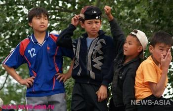По неофициальным данным около 40% детей Киргизии вынуждены работать, чтобы выжить