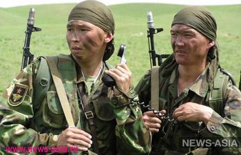 Жителей Киргизии задержали за дебош на конопляном поле