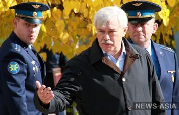 Губернатор Санкт-Петербурга передал военнослужащим авиабазы «Кант» бытовую технику