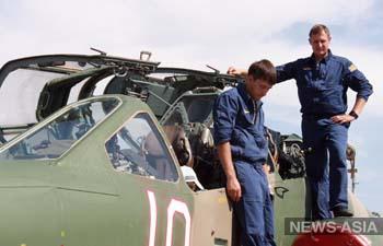 Делегаты ОДКБ проверили боеготовность российской авиабазы в Канте