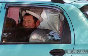 В Киргизии владельцы праворульных авто проведут флеш-моб для президента