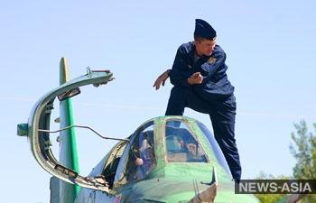 Звено боевых самолетов Су-25 прибыло на российскую авиабазу в Киргизии