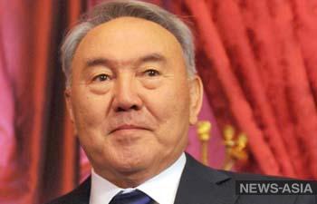 Назарбаев призвал Россию и Запад сесть за стол переговоров