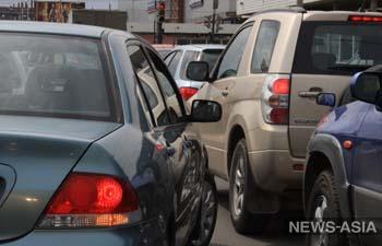 Правительство Киргизии настаивает на запрете праворульных авто