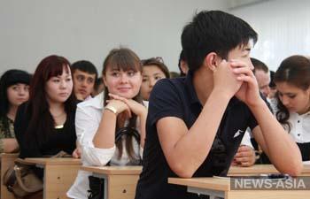 В Казахстане обучение в 11-12 классах могут перевести на английский язык