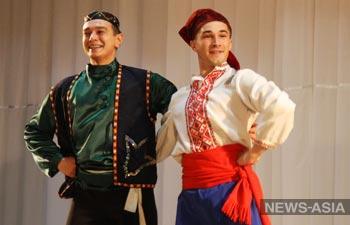 В Киргизии выступил Ансамбль песни и пляски Центрального военного округа