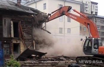 В Екатеринбурге снесли одно из старейших зданий города – дом Холмогорова