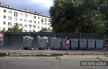 Новые мусорные контейнеры вызывают недоумение у жителей столицы