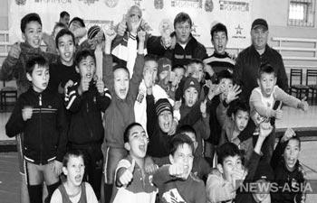 Именитые представители культуры и спорта РФ встретились в Бишкеке с юными членами спортивного клуба «Дордой»