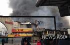 В дни похолодания горел крупнейший рынок Бишкека - Ошский, 12 пожарных расчетов пытались потушить пламя более 5 часов. Выгорели дотла 118 торговых точек и склады.