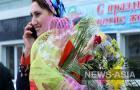 За плодотворный труд в производственных отраслях, в предпринимательстве, науке, образовании, здравоохранении, культуре, искусстве и других сферах жизни страны награды в Узбекистане получили десятки женщин, некоторых наградил Шавкат Мирзиеев.